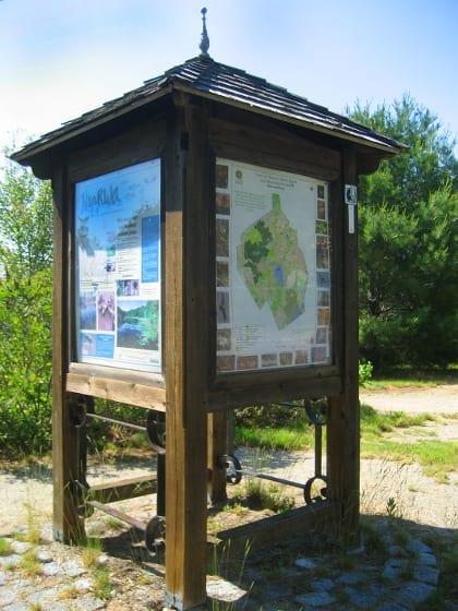 Information kiosks at both ends of the lakeside path provide information about wildlife, the lake watershed, and town history.
